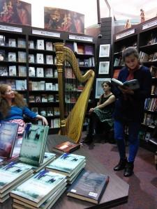 Fiorella and Dorothy flog books